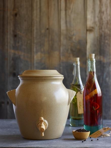 Vinegar Pot. A120603 William Sonoma Fall 1